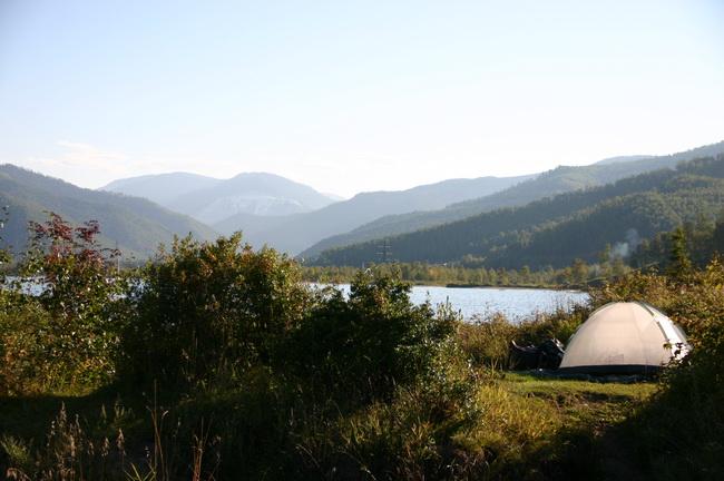 Наша палатка на Байкале