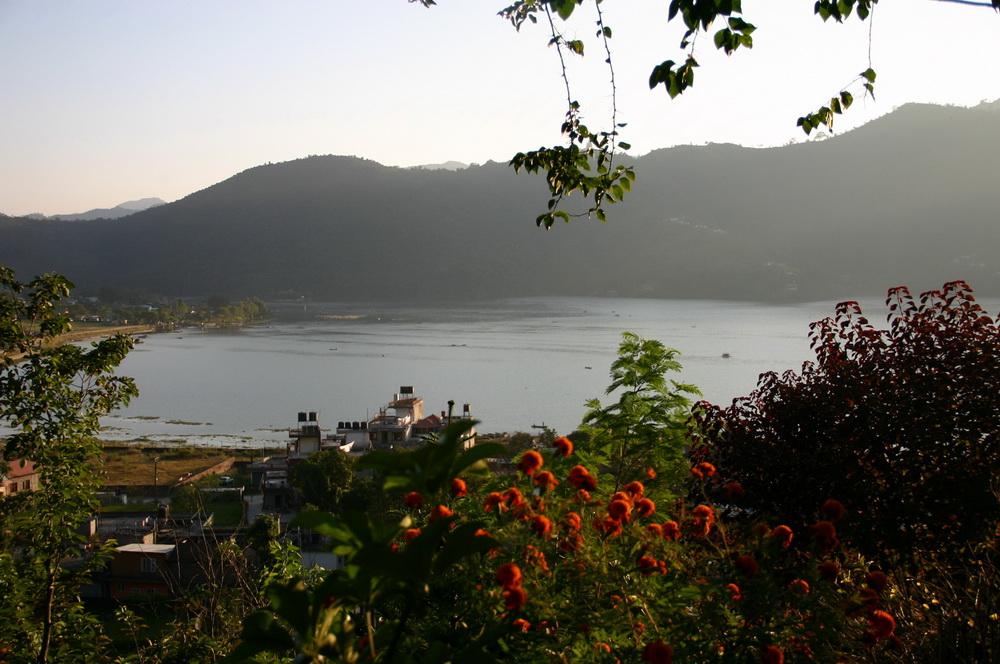 Вид на озеро Покхара