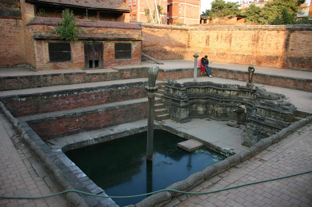 Пруд с кобрами Бхактапур