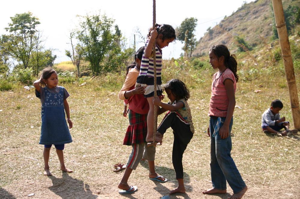 качели Непал