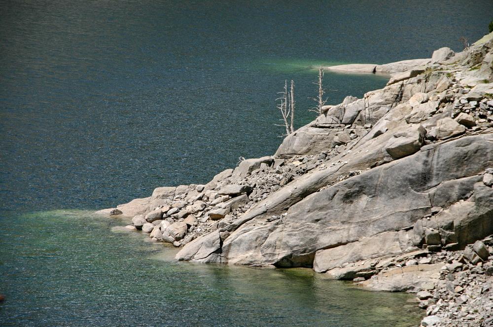 Озеро в горах Испании