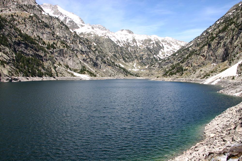 Озеро в Пиренеях в нац парке