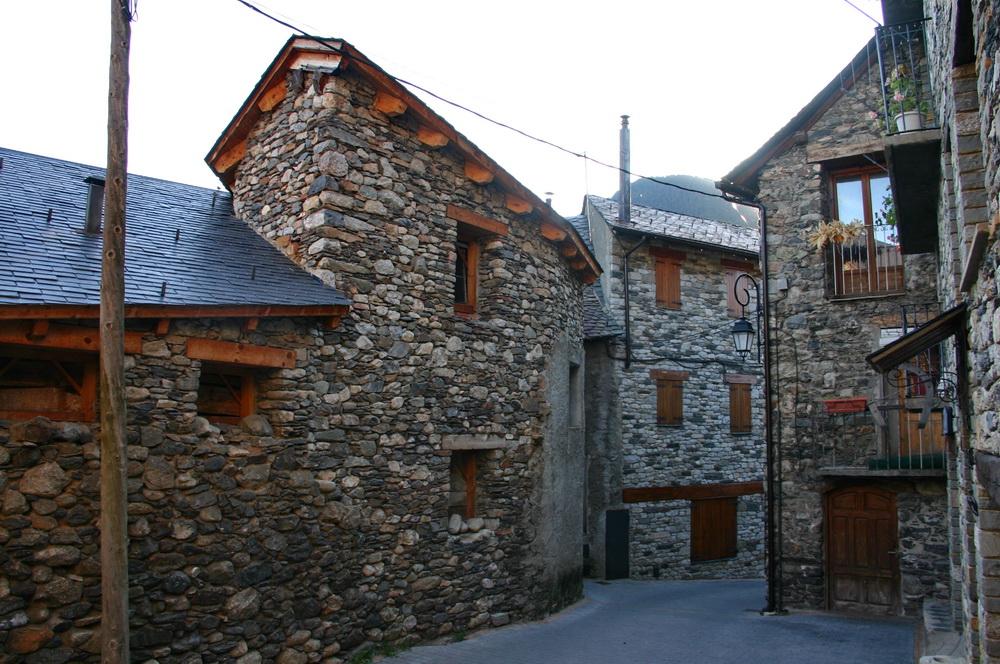 Деревня Бои в Пиренеях