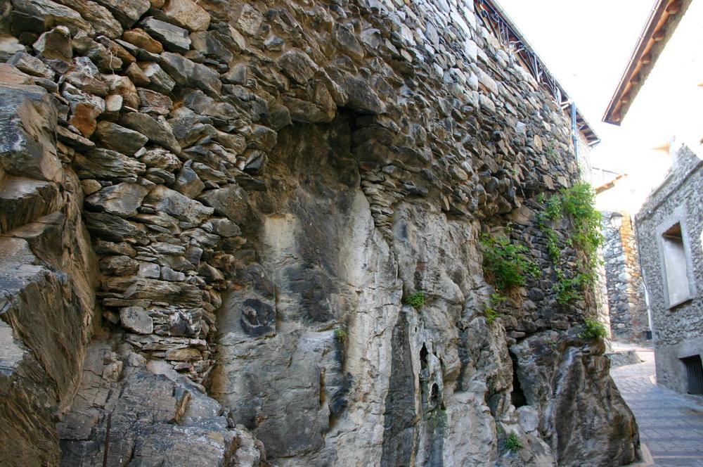 Фундамент из скалы