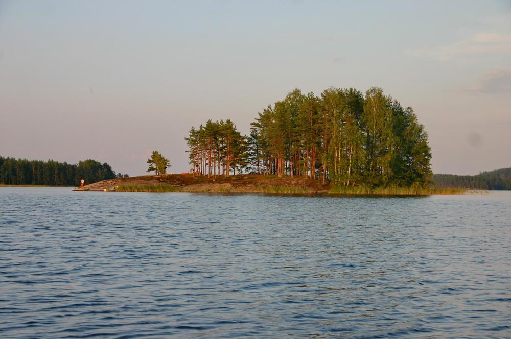 Остров на финском озере