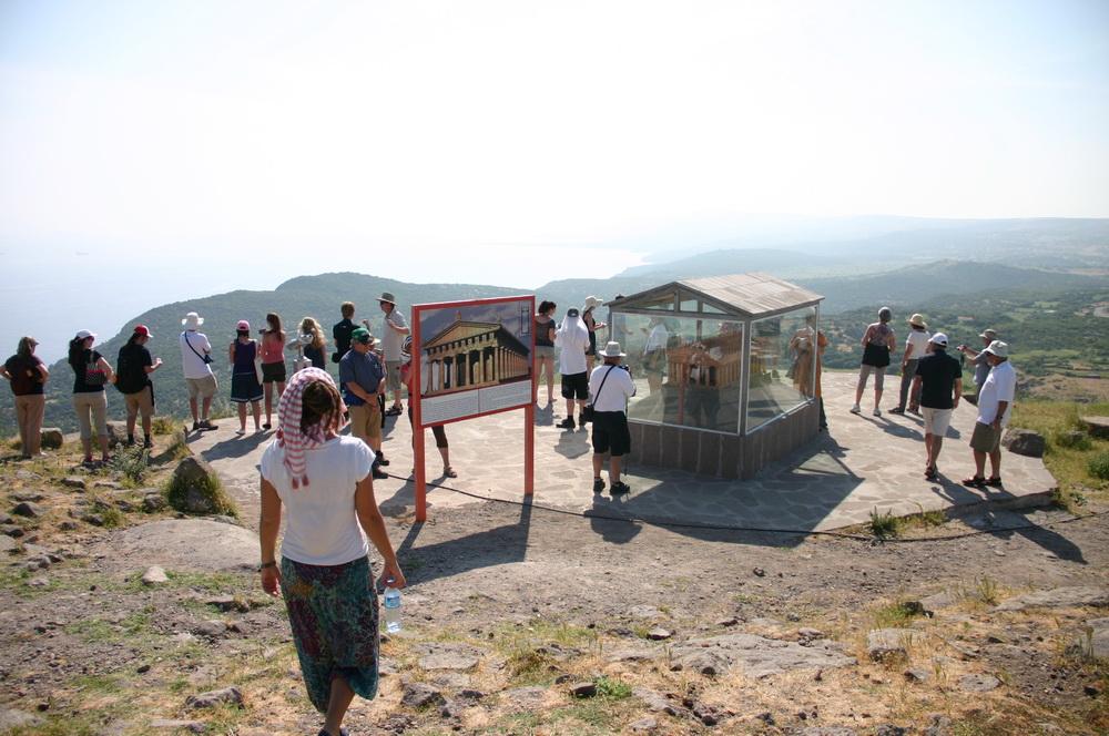 Модель храма Афины
